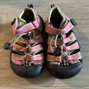 Keen sandals toddler size 9